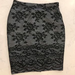 Limited skirt, size 6.  Excellent condition!